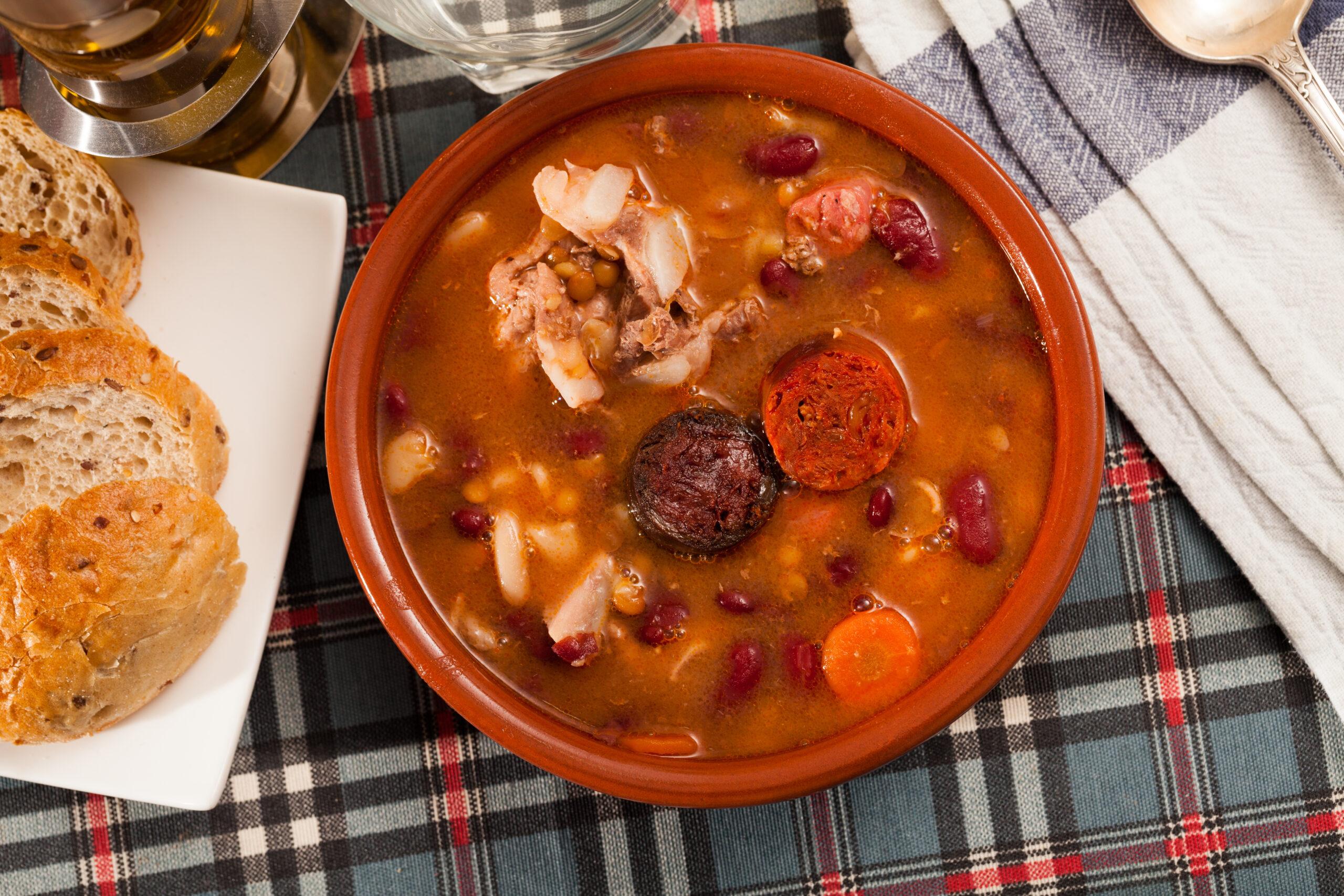 Schweinefilet-Topf mit Chorizo und Gemüse
